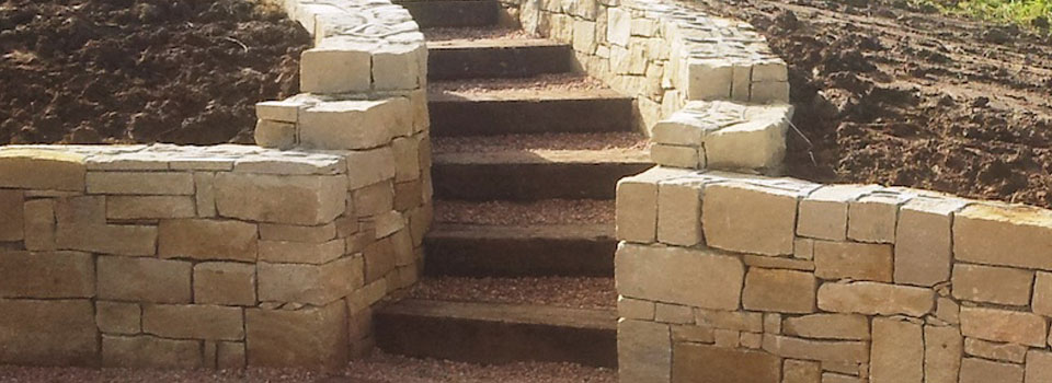 sandestone-wall-and-steps